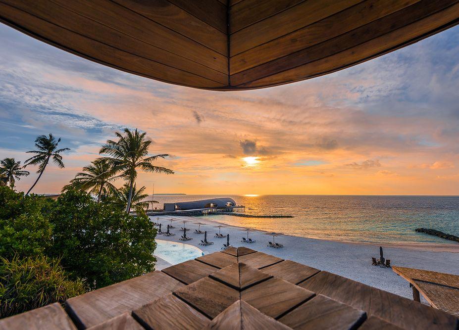 maldives sunset at st regis image taken by mediatropy singapore